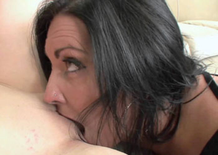Mature slut Sammy is licking a cute coed